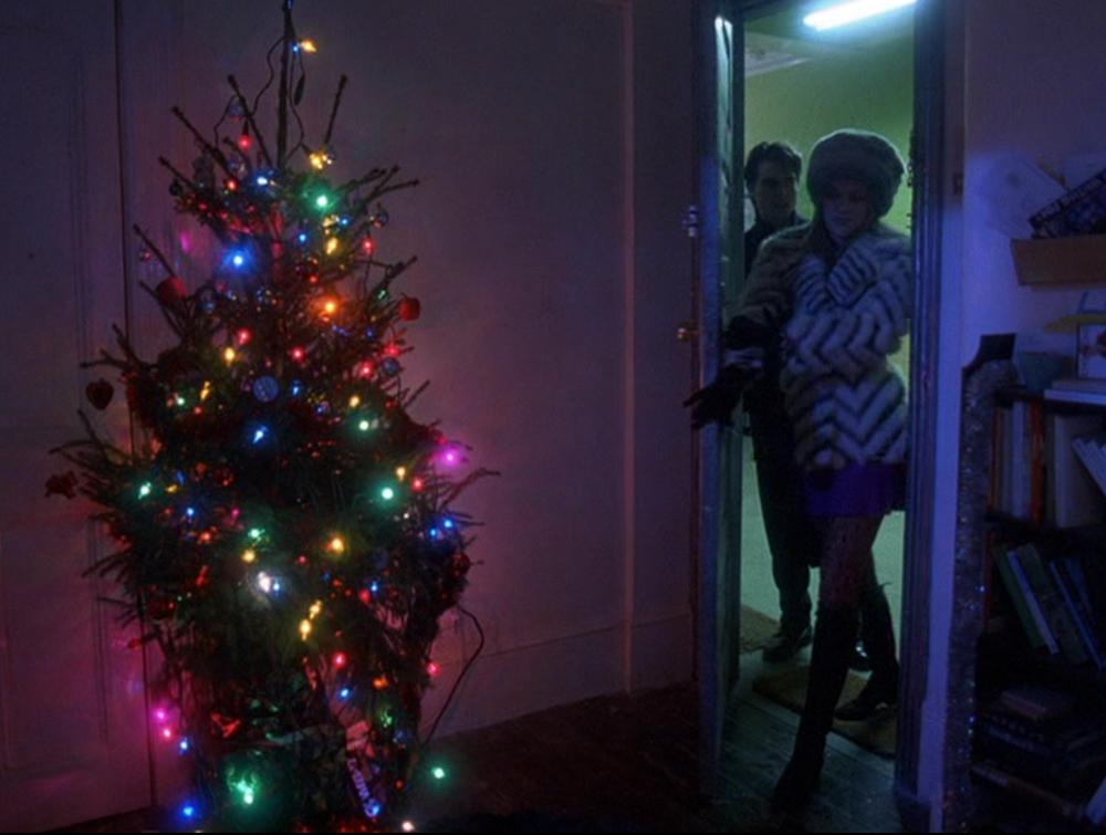 eyeswideshut_Christmas - 12 Days Of Christmas Movies: Eyes Wide Shut (1999) Refined Geekery