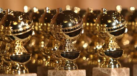 Golden+Globes+statues