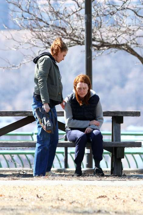 Kristen-Stewart-&-Julianne-Filming-Still-Alice
